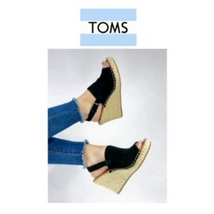 2×$40 Toms Black Oxford Woman's Monica Wedges